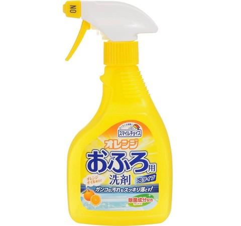 Спрей-пенка для чистки ванн с апельсиновым маслом Mitsuei 400 мл