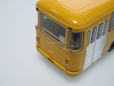LIAZ-677M Bus 1:43 Start Scale Models (SSM)