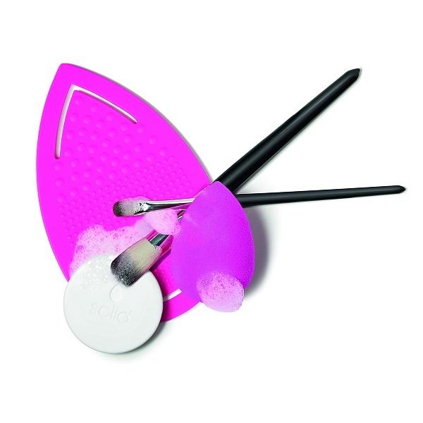 Рукавичка для очищения спонжей и кистей beautyblender keep.it.clean