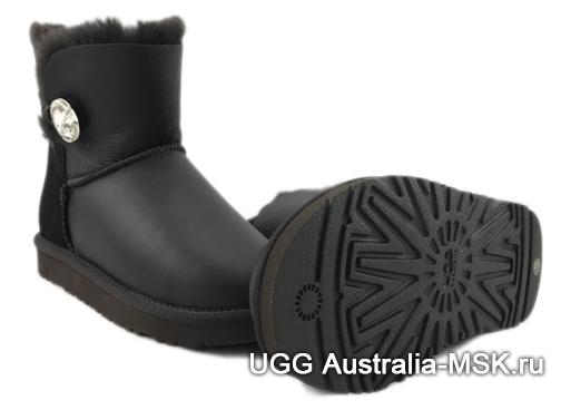 UGG Bailey Button Mini Black