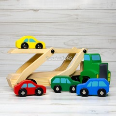 Деревянный автовоз с машинками