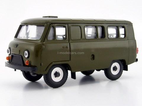 UAZ-3962 minibus plastic painted khaki Agat Mossar Tantal 1:43