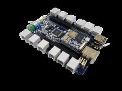 Универсальный робототехнический контроллер LAVR