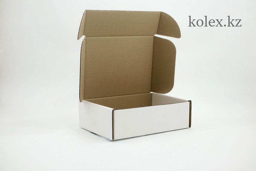 Коробка 230*170*75(мм) белая