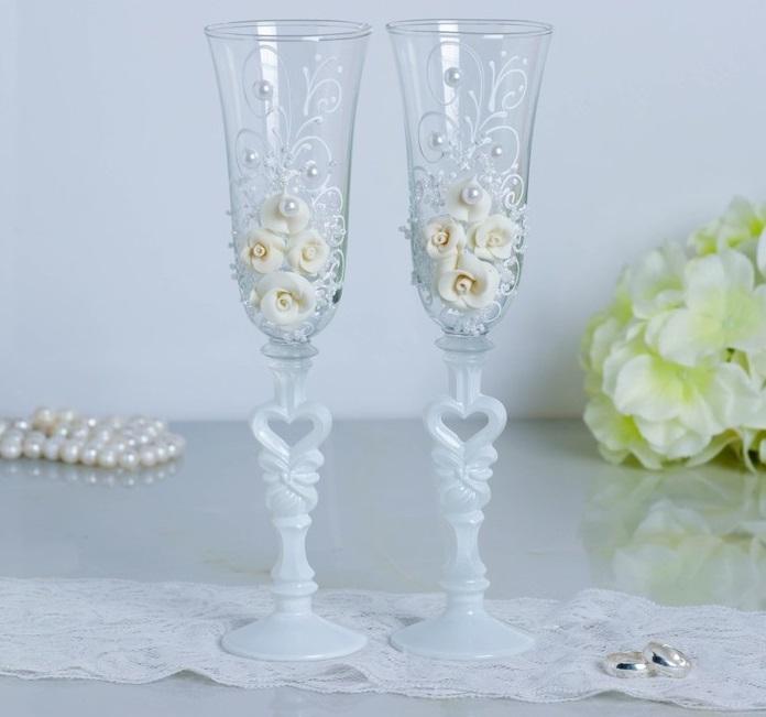 Набор свадебных бокалов «Розы», с лепниной и бисером, белый rubynovich серьги с бархатной отделкой