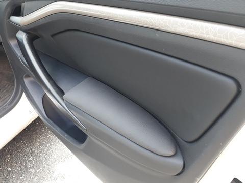 Подлокотники на двери Vesta передние