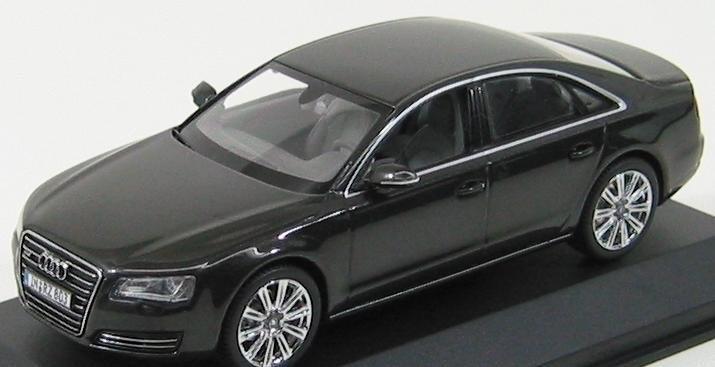 Коллекционная модель Audi A8, Oolong grey, 2013
