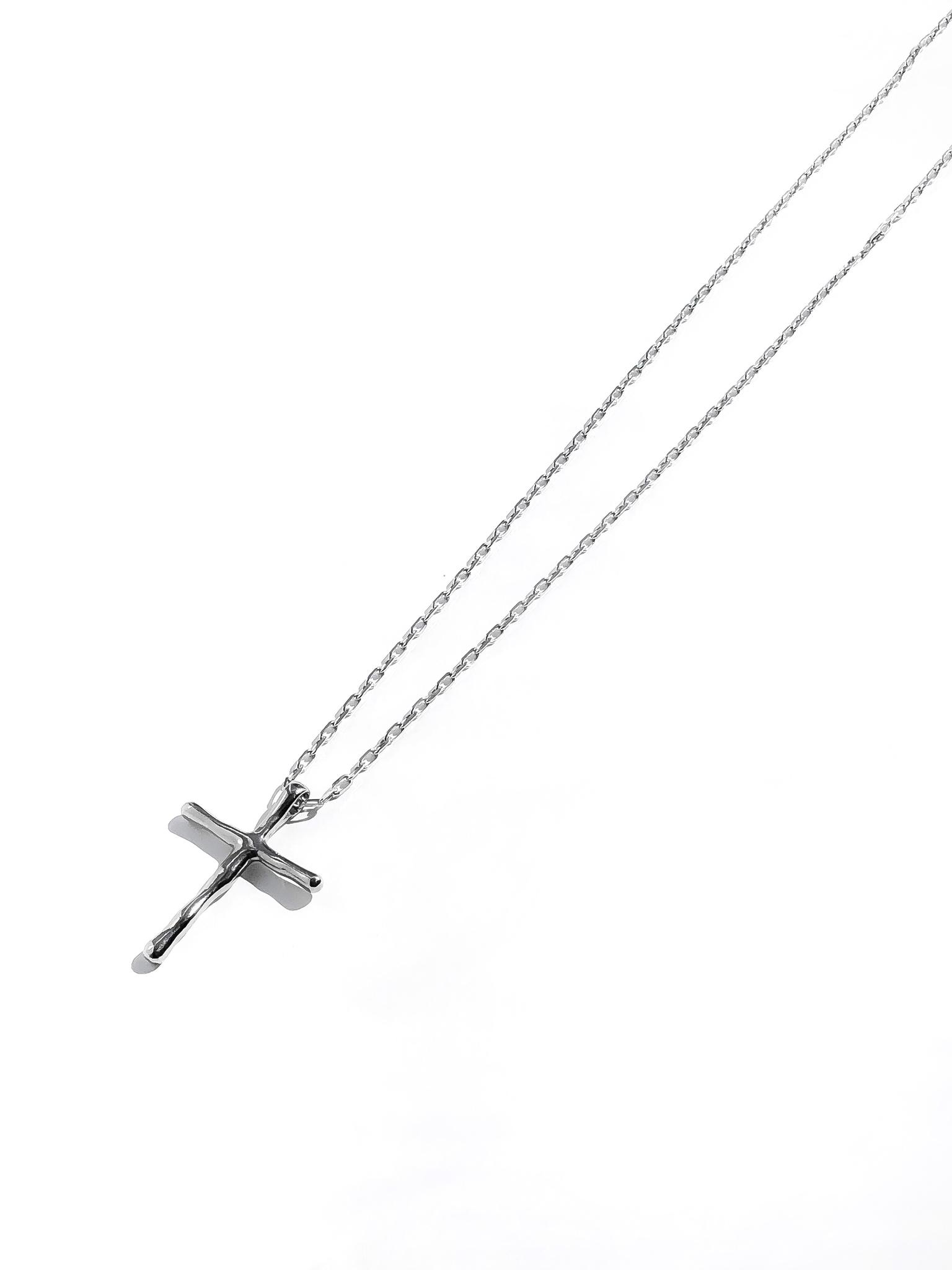 Серебряное колье крестик