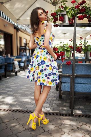 Короткое летнее платье с принтом синие Цветы 1