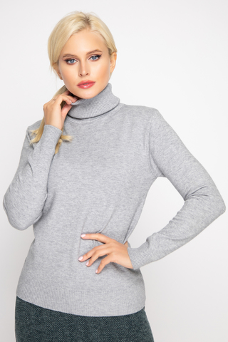 Джемпер (кашемир дымка). <p>Модный джемпер из мягкого кашемира отлично сочетается с юбкой, брюками и джинсами, создавая стильный ансамбль практичности и утонченности.</p> <p>&nbsp;</p> <p><span>(Один размер: 42-48)</span></p>