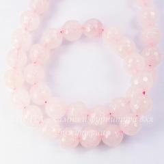 Бусина Жадеит, шарик с огранкой, цвет - бледно-розовый, 10 мм, нить