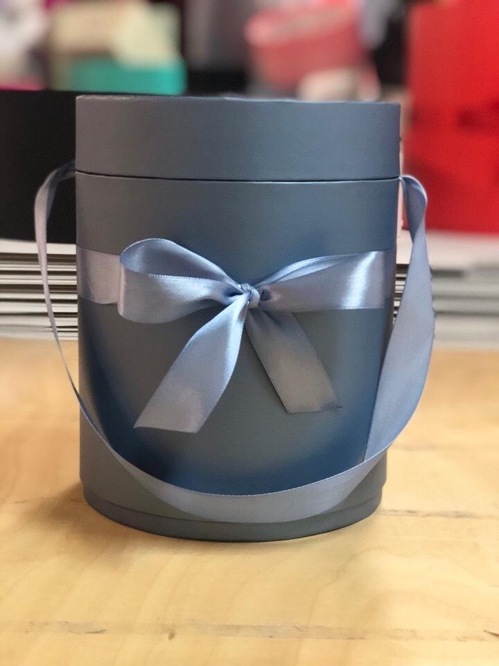 Шляпная коробка D 20 см .Цвет:  Металлик  . Розница 390 рублей