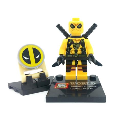 Минифигурка Супергерой Дэдпул в желтом костюме