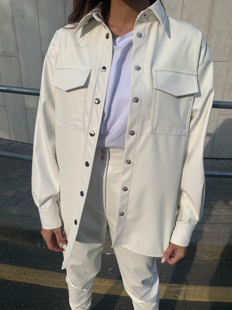 Рубашка из кожи с карманами (one size) (белый)