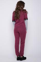 <p>Гламурный костюм в стиле Casual. Удобный и практичный вариант на каждый день. Брюки с карманами, по талии на резинке, по низу манжет. Свитшот с кружевом и лампасами. Ультра модный тренд этого сезона.&nbsp;Длины &nbsp;свитшот/брюки: 46=59/105 см; 48=60/106 см; 50=61/109см; 52=62/109см</p>