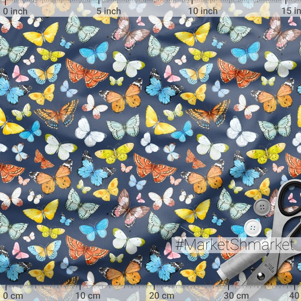 Бабочки на темном фоне