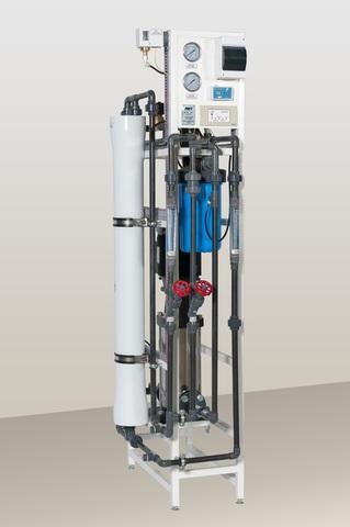 AWT RO-250 (1/4040) - установка обратного осмоса с насосом (до 0,25 м3/ч )