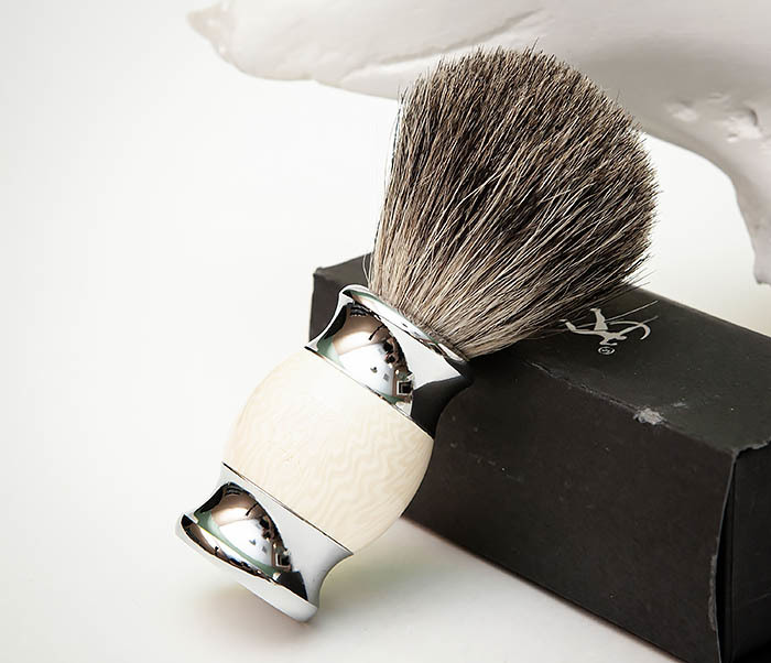 RAZ488-2 Помазок «TITAN» из барсучего волоса, рукоятка смола (бежевый)