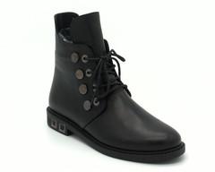 Черные кожаные ботинки на шнуровке с металлическим декором