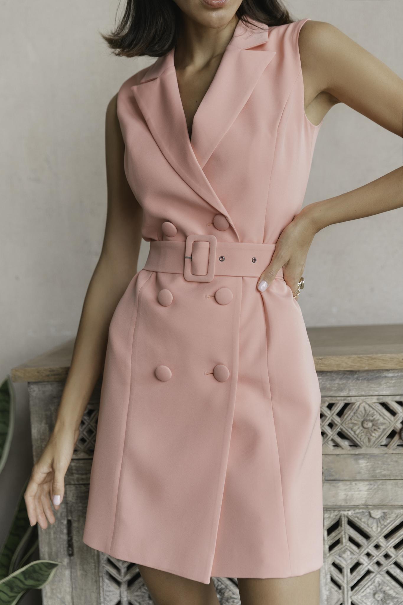 Платье-пиджак без рукавов с поясом (коралл)