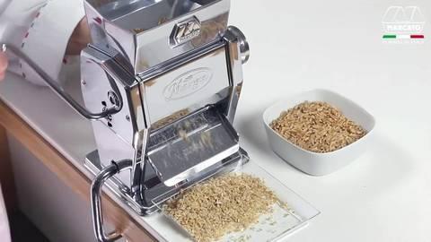 Бытовая мельница для зерна и хлопьев для мюсли Marcato Marga Mulino, фото