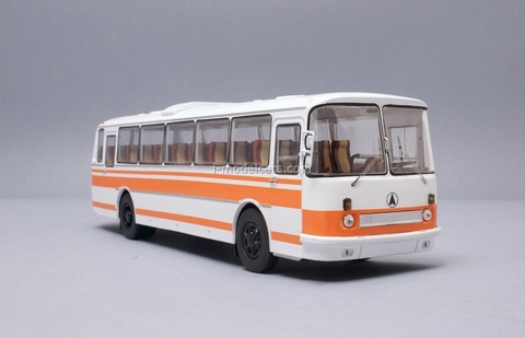 LAZ-699R white-orange Classicbus 1:43