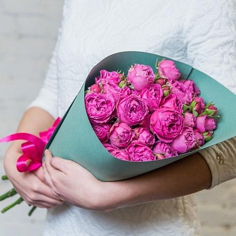 Букет кустовых пионовидных роз Мисти Баблс 9шт купить в Перми