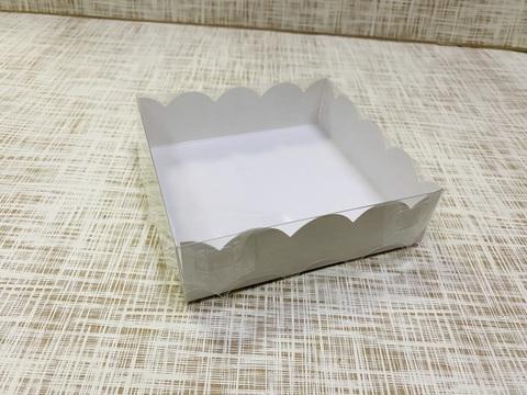 Коробка 12х12х3.5 см, картон, с прозрачной крышкой и ажурным краем,
