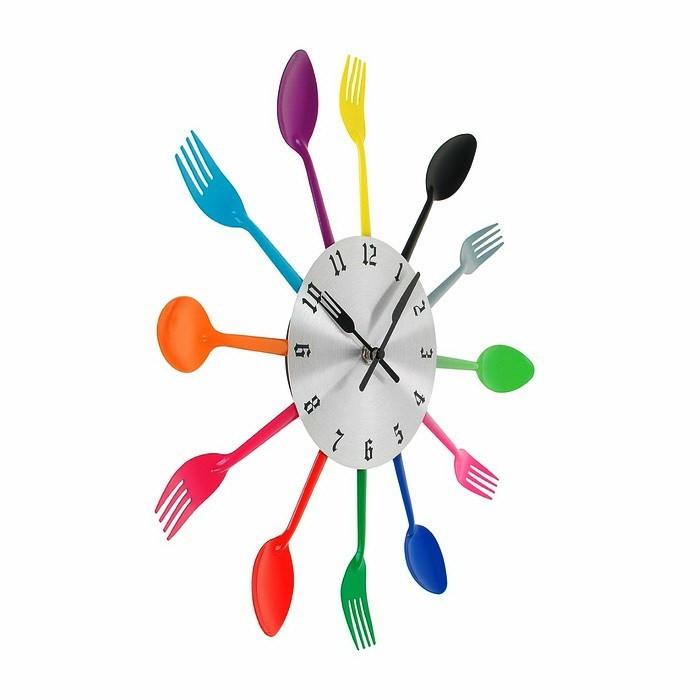 Часы ложки-вилки цветные