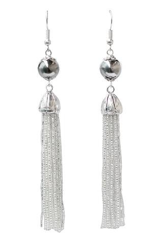 Серьги бисерные серебристые длинные из 18 нитей