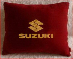 Подушка автомобильная с логотипом SUZUKI