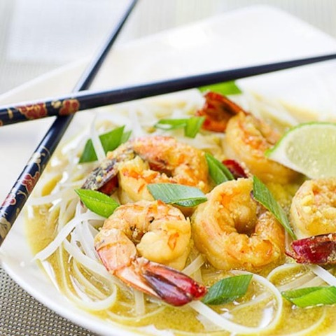 https://static-ru.insales.ru/images/products/1/4820/79680212/coconut_noodles_shrimps.jpg