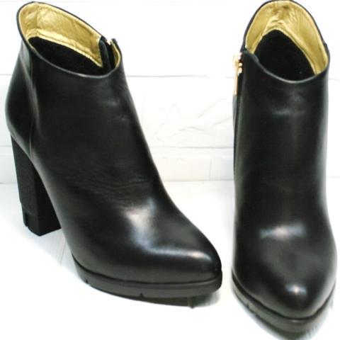 Черные кожаные ботильоны на высоком каблуке.  Модные женские ботинки ботильоны демисезонные Jina 5992Black