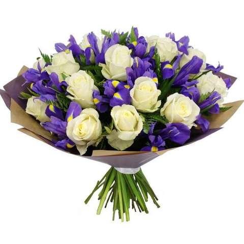 Букет из белых роз и ирисов  #45654