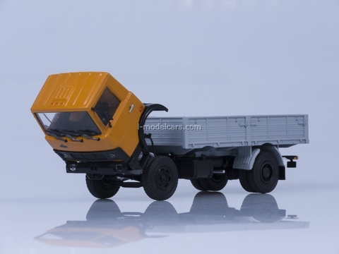 MAZ-5337 board early cabin 1987 orange-gray AutoHistory 1:43