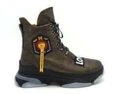 Ботинки зима коричневого цвета с надписями