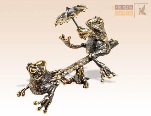 фигурка Лягушки на качелях