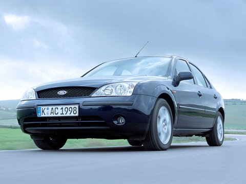 Чехлы на Ford Mondeo седан 2000–2007 г.в.