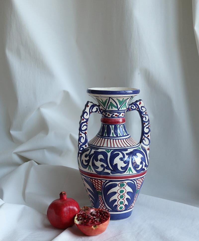 Большая ваза с этническим рисунком