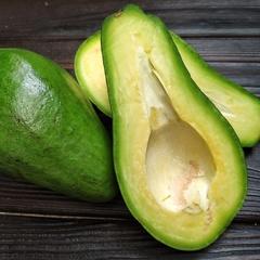 Авокадо королевский (Доминикана), 1 кг (2-3 шт)