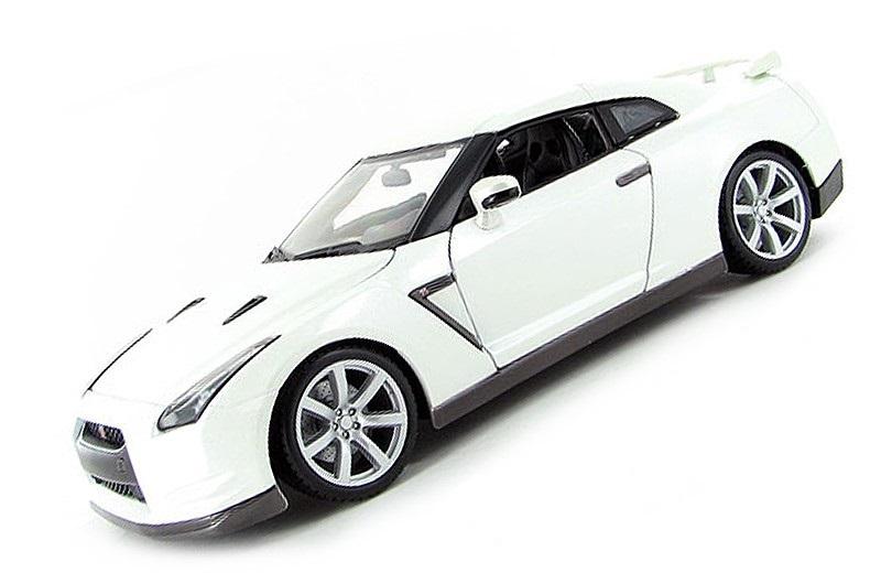 Коллекционная модель Nissan GT-R 2009