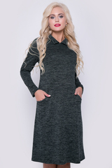 """<p>Комфортное платье, великолепно смотрится на любом типе фигуры. Силуэт """"трапеция"""", рукав """"реглан"""", функциональные карманы, по спинке имитация застежки на пуговицах. Длина: 44-52р - 96-98см</p>"""
