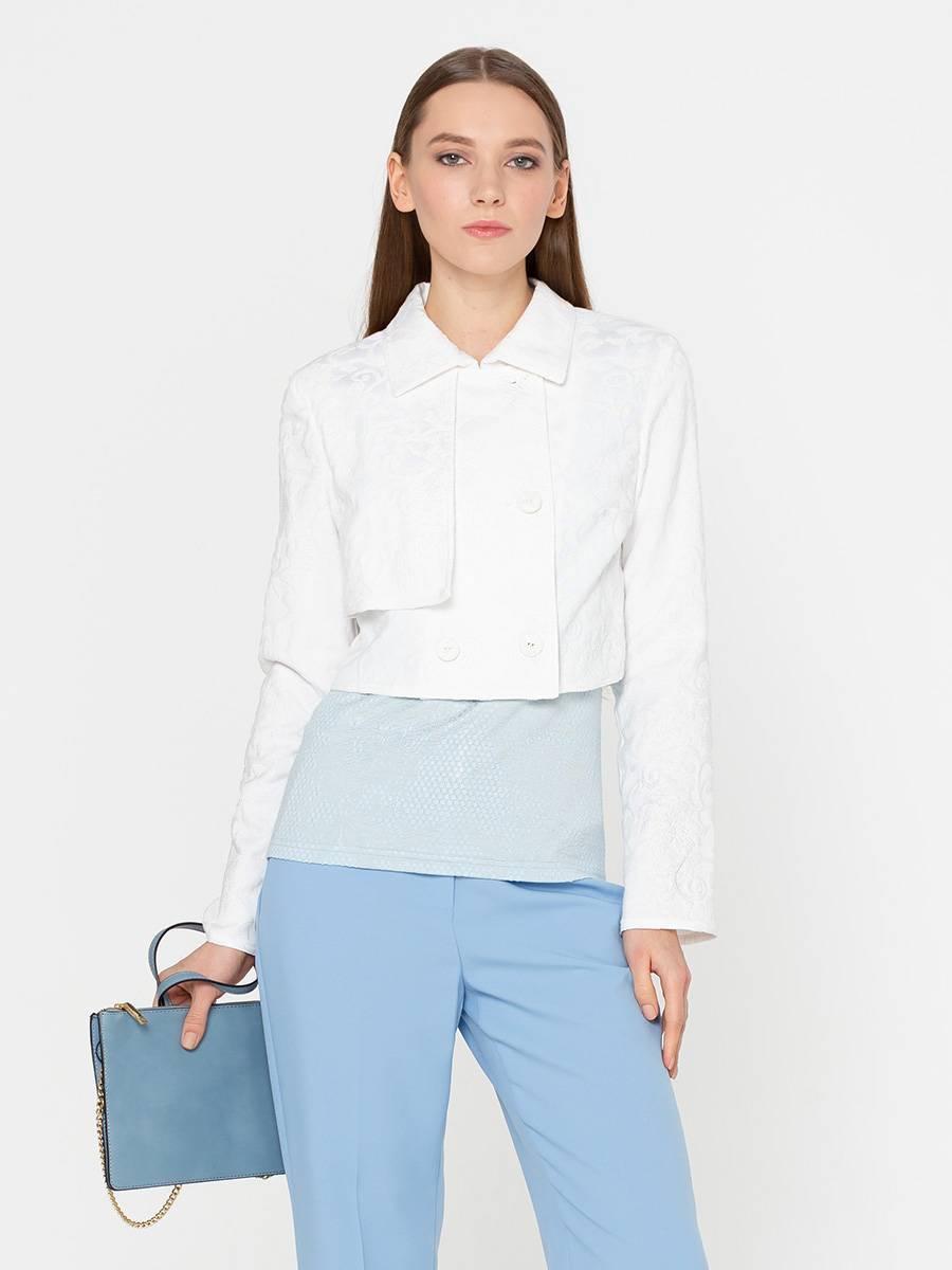 Жакет Д494-560 - Укороченный жакет будет прекрасно смотреться с платьем, юбкой или джинсами на высокой талии. Двубортная модель пиджака скрадывает ширину плеч и объем талии, формируя женственный хрупкий силуэт. Красивая фактура жаккардовой ткани и отлетная деталь на правой груди станут интересными деталями вашего образа. Смесовая ткань с хлопком обеспечит комфортную и долгую носку изделия.