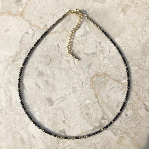 Колье-чокер, из мелких гематитовых бусин, черный+золото