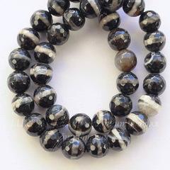 Бусина Агат, шарик с огранкой, цвет - черный с бежевым, 8 мм, нить