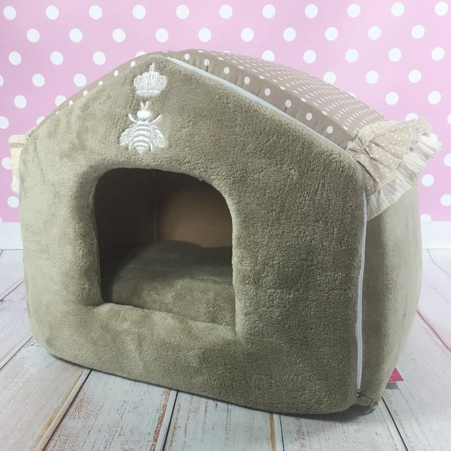 Домик для маленькой собачки