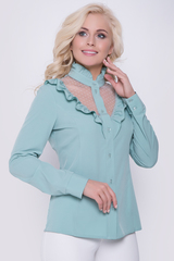 Восхитительная блузка для офиса! Ворот на стойке с элегантной рюшей. Рукав длинный с манжетом на пуговицах.