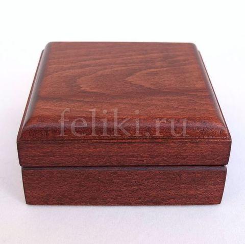 футляр под серьги из дерева, размеры 75*75*35 мм