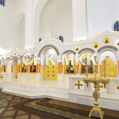 Мраморный резной иконостас в Соборе Святого Равноапостольного Князя Владимира в Ставрополе (фото 1)