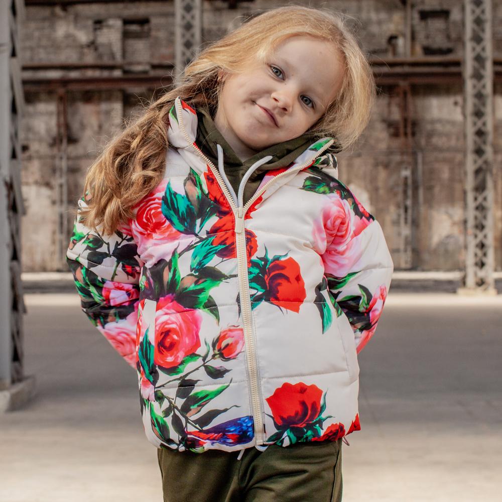 Детская демисезонная куртка с принтом  «Розы» на девочку
